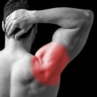 Вывих плеча: причины, симптомы, лечение